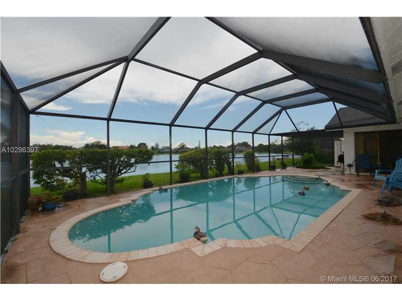 Single-Family Home - Lauderhill, FL (photo 4)