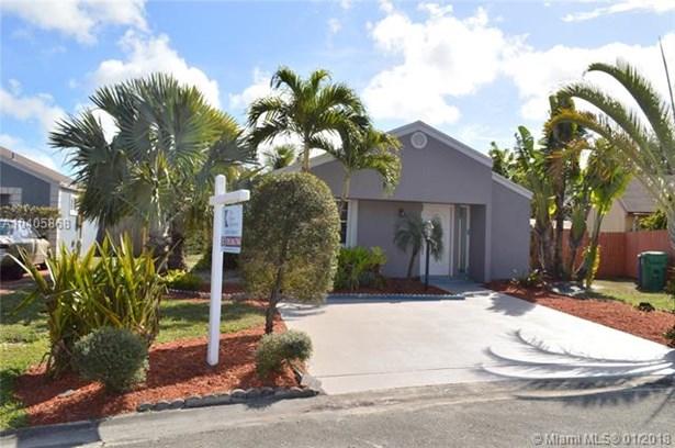 8810 Sw 23rd St, Miramar, FL - USA (photo 4)