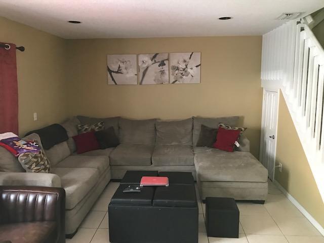 803 Nw 208th Terrace, Pembroke Pines, FL - USA (photo 2)