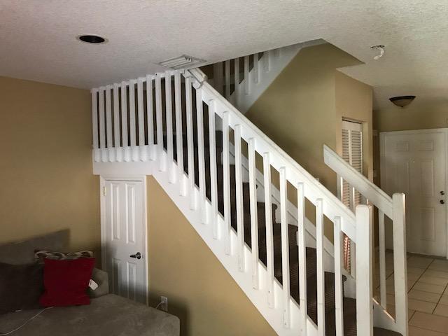 803 Nw 208th Terrace, Pembroke Pines, FL - USA (photo 4)