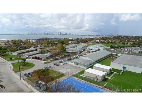 7601 E Treasure Dr, North Bay Village, FL - USA (photo 1)