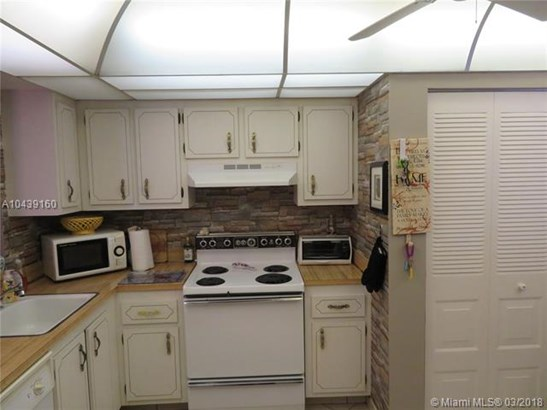 1650 Nw 80th Ave  #301, Margate, FL - USA (photo 2)