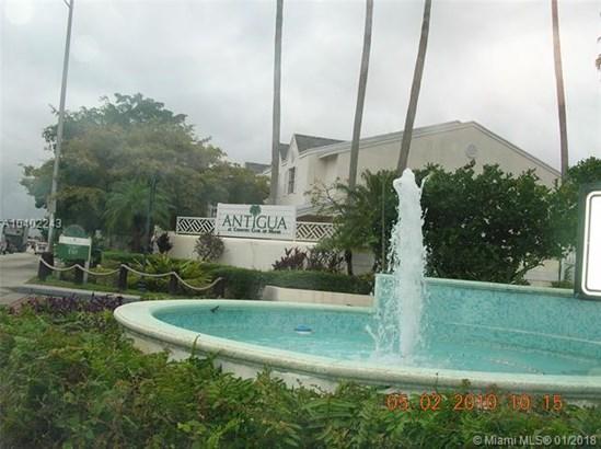 6725 Nw 174th Ter  #j-12, Hialeah, FL - USA (photo 2)