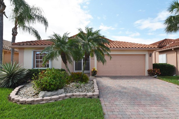 Single-Family Home - Boynton Beach, FL (photo 1)