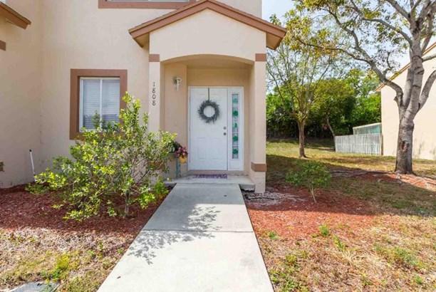 1808 Lakeview Drive, Royal Palm Beach, FL - USA (photo 2)