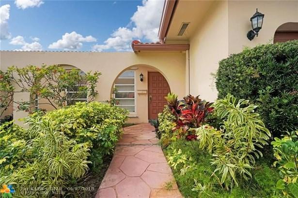 4946 Sarazen Dr, Hollywood, FL - USA (photo 3)