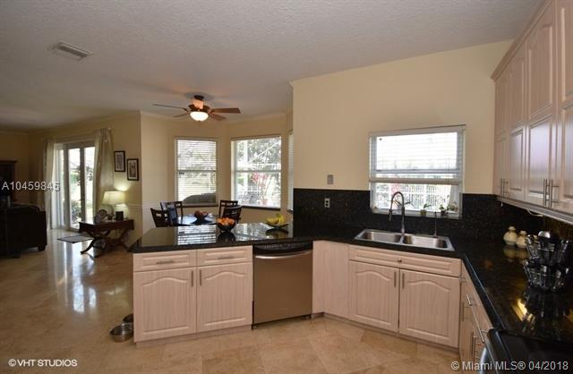 1625 Sw 156th Ave, Pembroke Pines, FL - USA (photo 5)