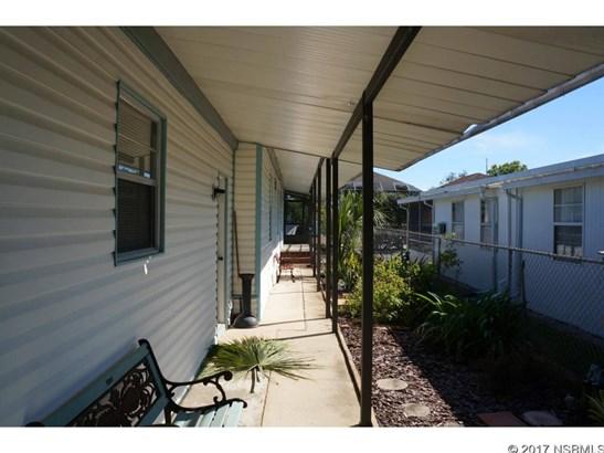 191 East Ariel Rd, Oak Hill, FL - USA (photo 5)