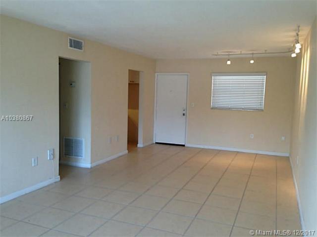 12890 Ne 8 Av  #210, North Miami, FL - USA (photo 2)