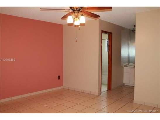 Rental - Miami, FL (photo 2)