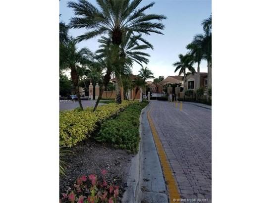Rental - Tamarac, FL (photo 2)