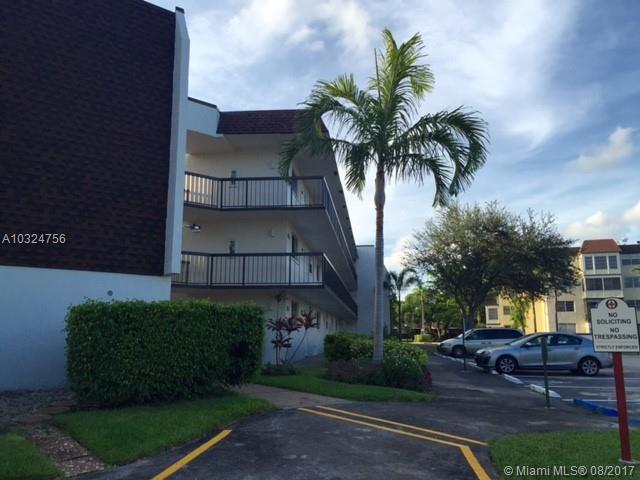Condo/Townhouse - Plantation, FL (photo 2)