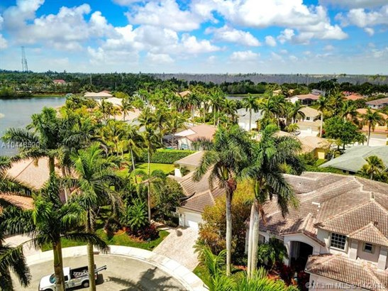 2561 Jardin Mnr, Weston, FL - USA (photo 3)