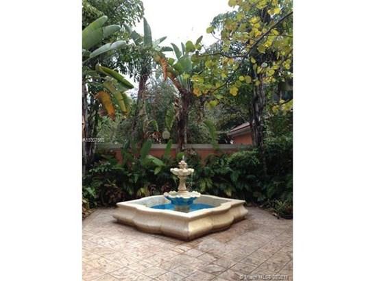 Condo/Townhouse - Doral, FL (photo 1)