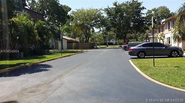 7549 W Sunrise Blvd  #7549, Plantation, FL - USA (photo 3)