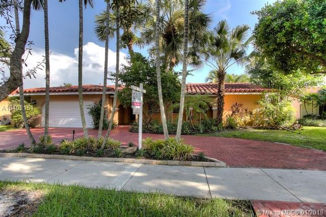 8421 Dundee Ter, Miami Lakes, FL - USA (photo 1)