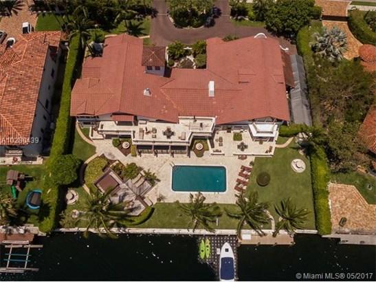 Single-Family Home - Hallandale, FL (photo 1)