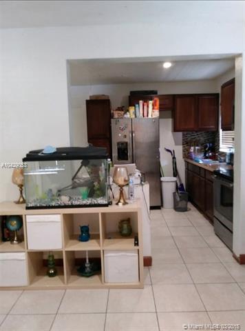 5241 Nw 2 St, Miami, FL - USA (photo 3)