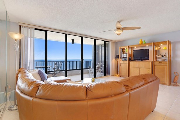 450 Ocean Drive Unit Ph4, Juno Beach, FL - USA (photo 2)
