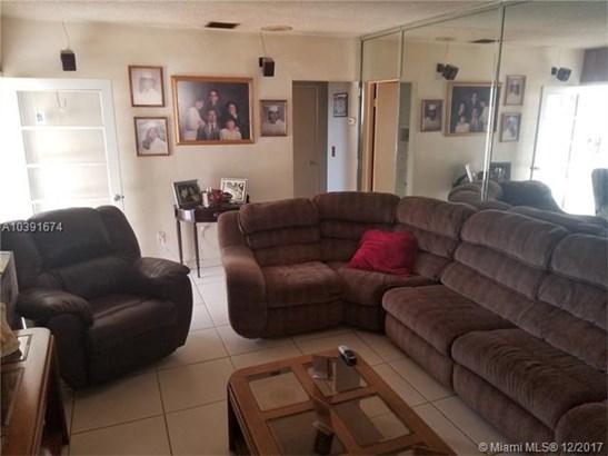 4930 E 1st Ave, Hialeah, FL - USA (photo 4)