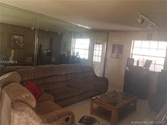 4930 E 1st Ave, Hialeah, FL - USA (photo 5)