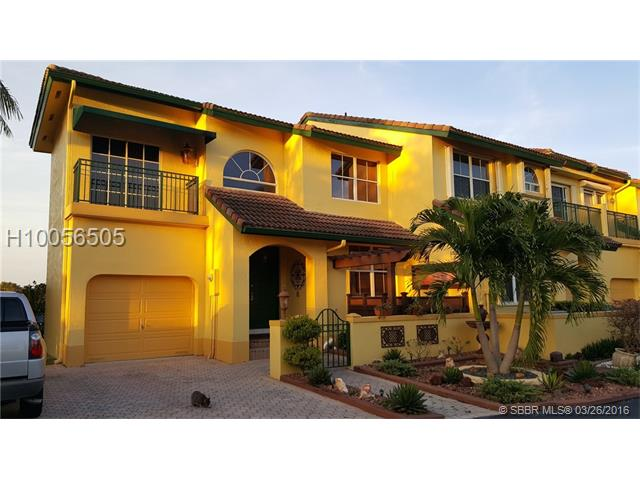 745 Ne 195th St  #0, North Miami Beach, FL - USA (photo 1)