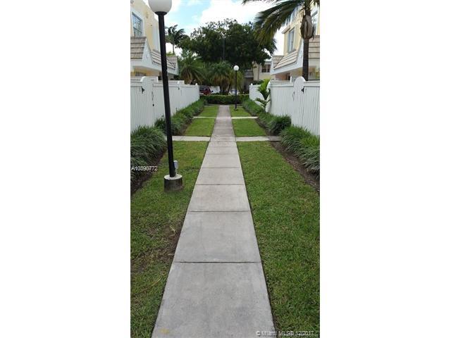 6825 Sw 45th Ln  #6, Miami, FL - USA (photo 2)