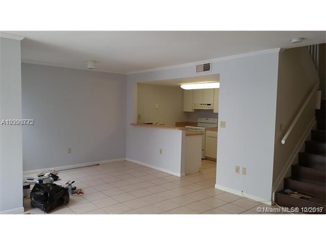 6825 Sw 45th Ln  #6, Miami, FL - USA (photo 4)