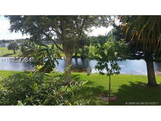 4270 Nw 40th St  #206, Lauderdale Lakes, FL - USA (photo 1)