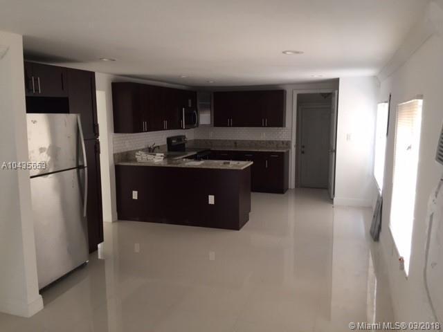2226 Nw 98th St, Miami, FL - USA (photo 3)