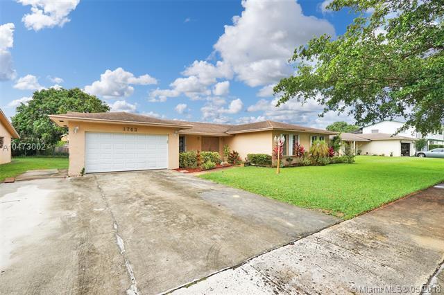 1763 Nw 193rd St, Miami Gardens, FL - USA (photo 3)