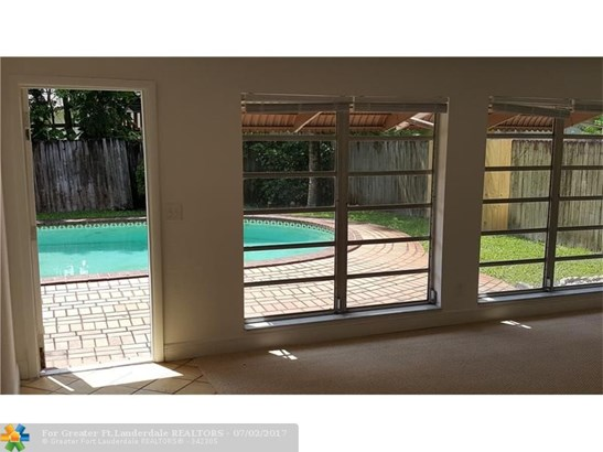 2857 Nw 87th Ave, Coral Springs, FL - USA (photo 5)