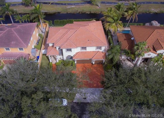 7793 Nw 169th Ter, Miami Lakes, FL - USA (photo 2)