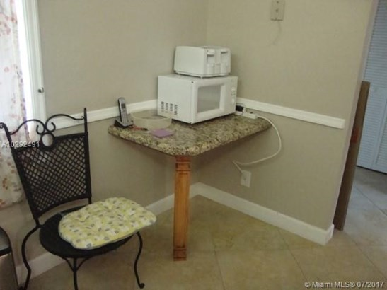 Condo/Townhouse - Dania Beach, FL (photo 5)