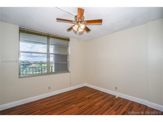 2601 Nw 48th Ter  #450, Lauderdale Lakes, FL - USA (photo 3)