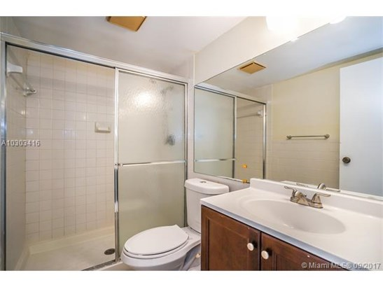 2601 Nw 48th Ter  #450, Lauderdale Lakes, FL - USA (photo 5)