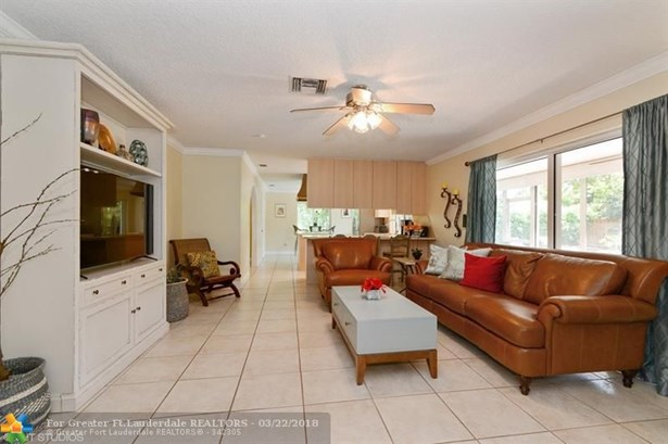 10300 Nw 17th St, Coral Springs, FL - USA (photo 3)