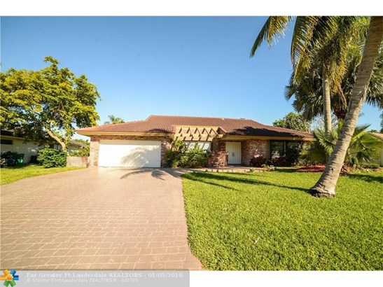 9735 Nw 3rd Mnr, Coral Springs, FL - USA (photo 2)