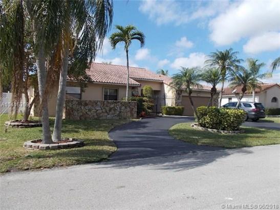 5611 Knighthurst Way, Davie, FL - USA (photo 1)