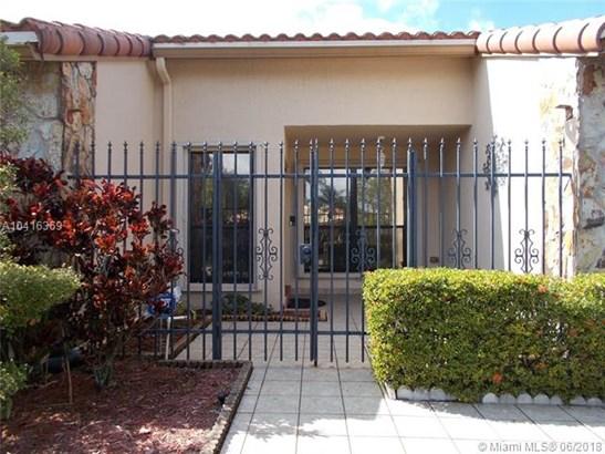 5611 Knighthurst Way, Davie, FL - USA (photo 4)