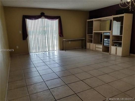 Rental - Hialeah, FL (photo 2)