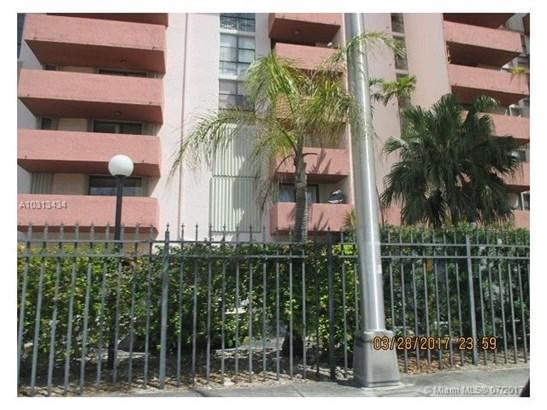 Condo/Townhouse - Hialeah, FL (photo 1)