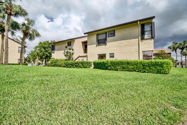 8649 Boca Glades Boulevard Unit B, Boca Raton, FL - USA (photo 3)