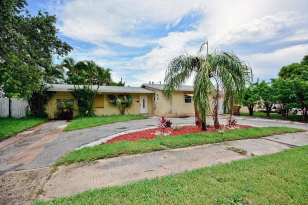 Single-Family Home - Lake Park, FL (photo 2)