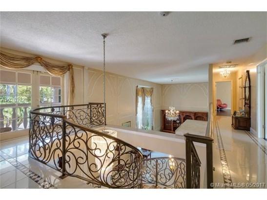 Single-Family Home - Hallandale, FL (photo 5)