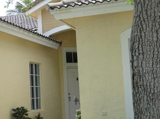 4266 Sw 10 Place, Deerfield Beach, FL - USA (photo 2)