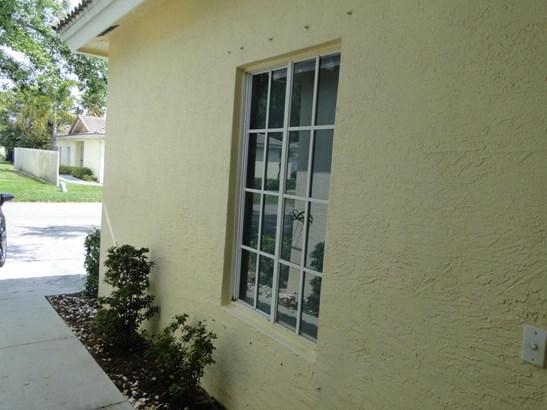 4266 Sw 10 Place, Deerfield Beach, FL - USA (photo 5)