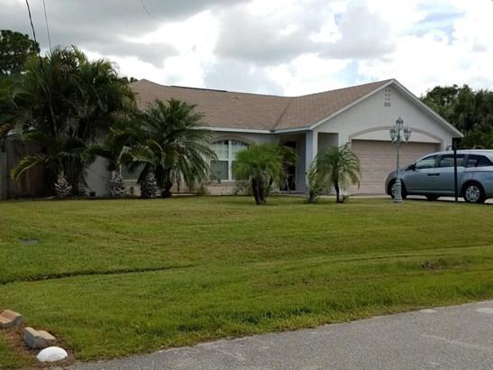Single-Family Home - Saint Lucie West, FL (photo 1)