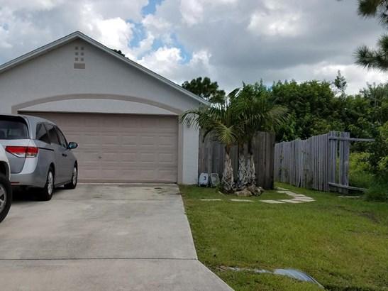 Single-Family Home - Saint Lucie West, FL (photo 2)