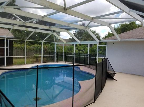 Single-Family Home - Saint Lucie West, FL (photo 4)